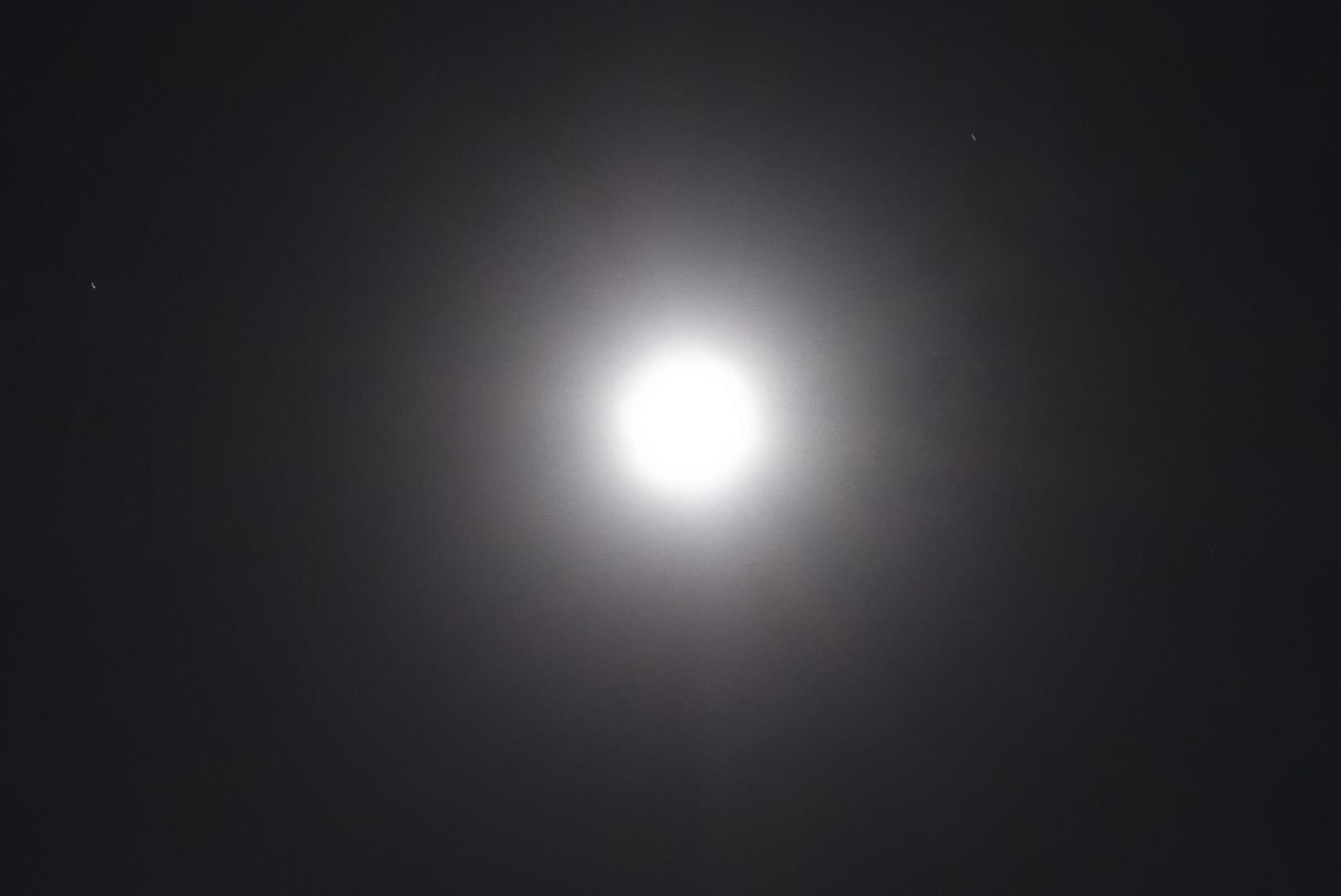 思いきり満月の光を浴びながら、覚醒遠隔ヒーリングを送りました♡
